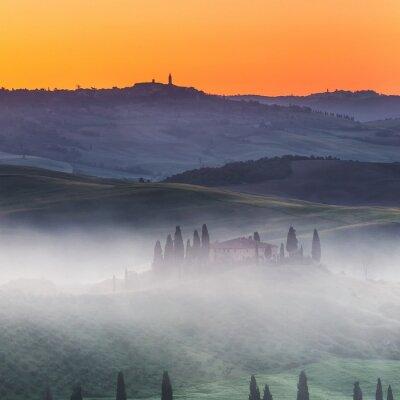 Fotomural Hermoso paisaje de Toscana al amanecer, Italia