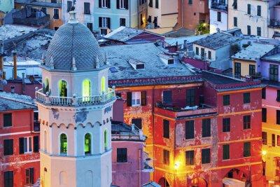 Fotomural Iglesia de Santa Margherita d'Antiochia en Vernazza