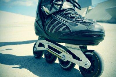 Fotomural joven hombre de patinaje sobre ruedas, filtrada