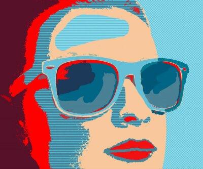 Fotomural Joven mujer portret con gafas de sol en estilo pop-art
