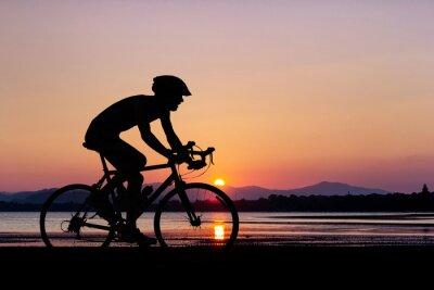 Fotomural La gente en bicicleta en la playa