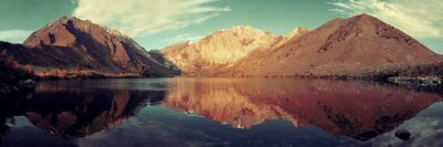 Fotomural Lago de montaña de nieve