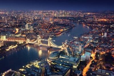 Fotomural Londres en la noche con las arquitecturas urbanas y Tower Bridge