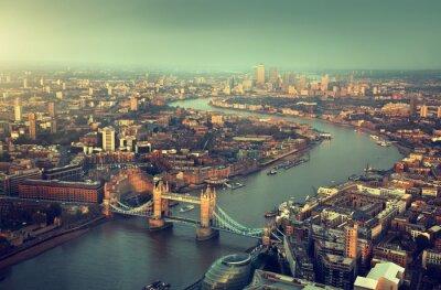 Fotomural Londres vista aérea con el puente de la torre en la puesta del sol