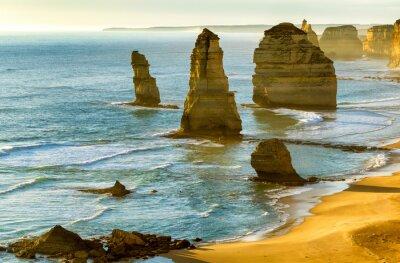 Fotomural Los Doce Apóstoles al atardecer a lo largo de Great Ocean Road, Victoria -
