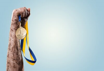 Fotomural Manos apriete medalla