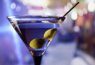 Fotomural martini con aceitunas verdes