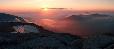 Fotomural Montaña puesta de sol verano