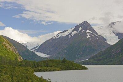 Fotomural Montañas y glaciares en un valle remoto