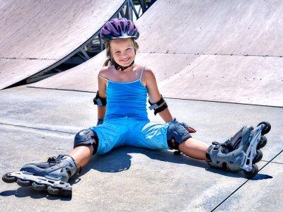 Fotomural Muchacha que monta en patines.