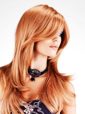 Fotomural Mujer hermosa con los pelos rojos largos