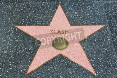 Fotomural NO Con autorización de propiedad: NO LOS ÁNGELES, LOS EEUU - 5 DE ABRIL DE 2014: Estrella de Slash (guitarrista de los armas N 'Roses) en el Walk of Fame famoso en Hollywood. El Paseo de la Fama de Ho