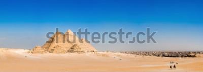Fotomural Panorama de la zona con las grandes pirámides de Giza, Egipto