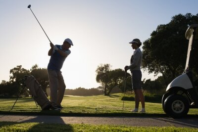Fotomural Pareja Golf primer golpe para el día