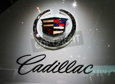 Fotomural PARIS - 14 de octubre: Un General Motors Co. (GM) Cadillac logotipo es en voltios de la compañía durante el motor de París 2010 en el Porte de Versailles, el 14 de octubre de 2010 en París, Francia