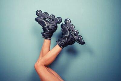 Fotomural Piernas de mujer vistiendo patines