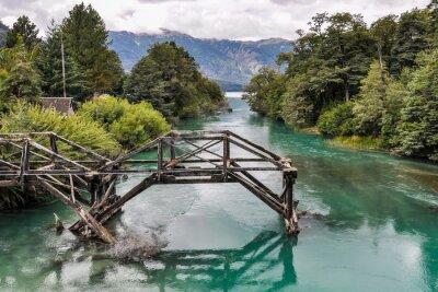 Fotomural Puente abandonado, Camino de los Siete Lagos, Argentina