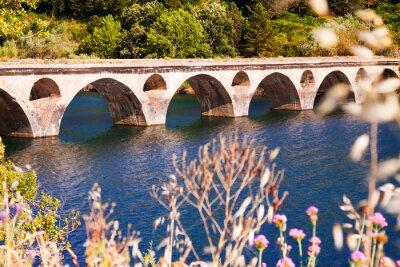 Fotomural Puente viejo sobre el lago