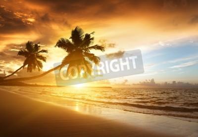 Fotomural puesta de sol en la playa del mar Caribe
