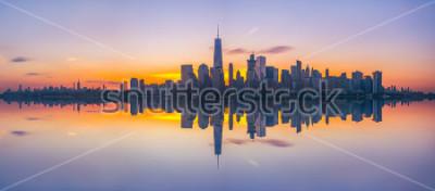 Fotomural Reflexiones del horizonte de la ciudad de Nueva York al amanecer