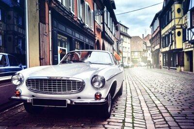 Fotomural Retro car in old city street