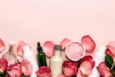 Fotomural Set de cosmética natural de rosas. Concepto de belleza y cuidado de la piel