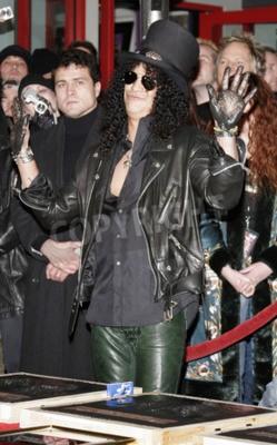 Fotomural Slash, Ronnie James Dio y Terry Bozzio Inducido en RockWalk de Hollywood celebrada en el Hollywood RockWalk Center de Guitar en Hollywood, EE.UU. el 17 de enero de 2007.