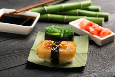 Fotomural Sushi con tortilla japonesa