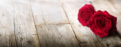 Fotomural Tarjeta de San Valentín - Luz del sol en dos rosas en el amor