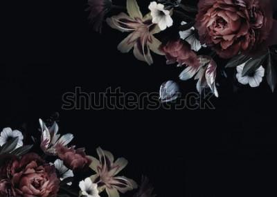 Fotomural Tarjeta vintage floral con flores. Peonías, tulipanes, lirios, hortensias sobre fondo negro. Plantilla para el diseño de invitaciones de boda, saludos festivos, tarjetas de visita, envases decorativos
