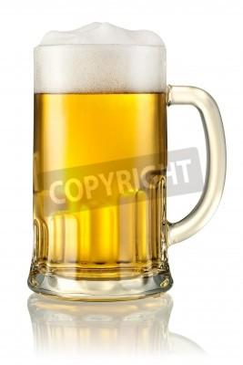 Fotomural Taza con cerveza aislado en blanco Con trazado de recorte