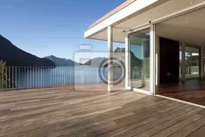 Terraza De La Casa Moderna Con Vistas Al Lago Y Las Montañas