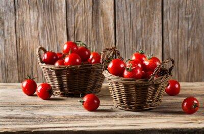 Fotomural Tomates en una canasta