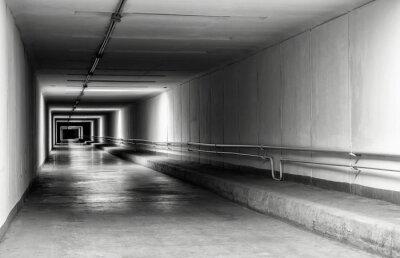 Fotomural Túnel vacío por la noche