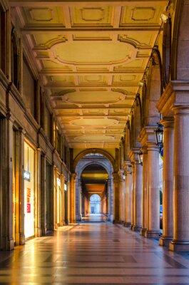 Fotomural Turín (Torino), arcadas típicas en el centro histórico de la ciudad vieja