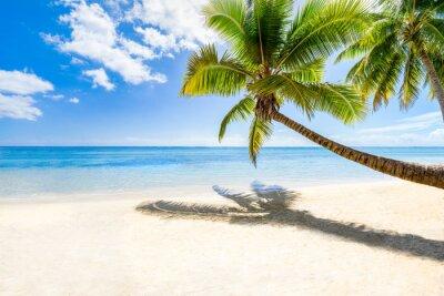 Fotomural Vacaciones de playa en una isla desierta en el mar