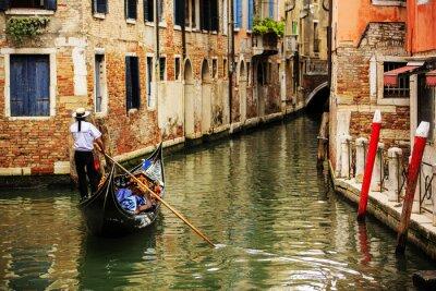 Fotomural Venecia, Italia - Gondolero y conventillos históricos