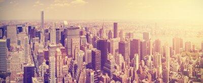 Fotomural Vintage entonó el horizonte de Manhattan en la puesta del sol, Nueva York, Estados Unidos.