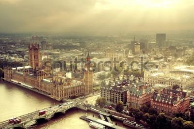 Fotomural Vista aérea de Westminster con el río Támesis y el paisaje urbano urbano de Londres.