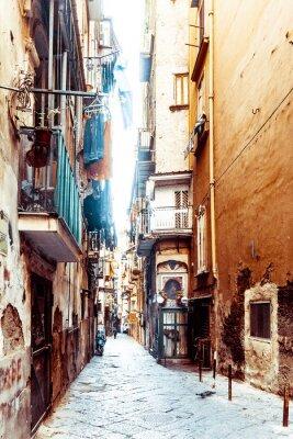 Fotomural Vista de la calle del casco antiguo de la ciudad de Nápoles