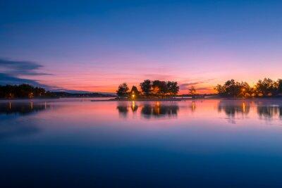 Fotomural Vista de una cabina junto al lago en Ontario, Canadá