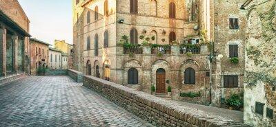 Fotomural Vista panorámica de la calle en Certaldo, Italia.