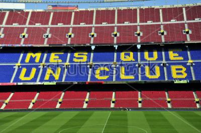 Fotomural Cerca del estadio de fútbol Camp Nou en Barcelona, España.