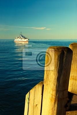 A la nave acerca el muelle en Sopot, Polonia.
