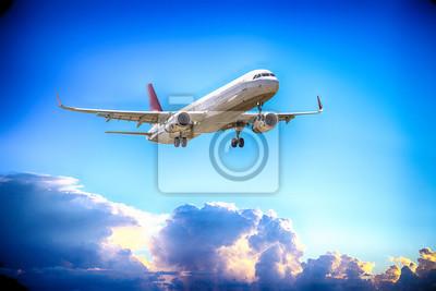 Airbus A-320 con cielo hermoso