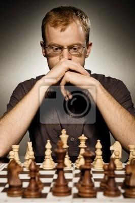 Amo pensativo del ajedrez