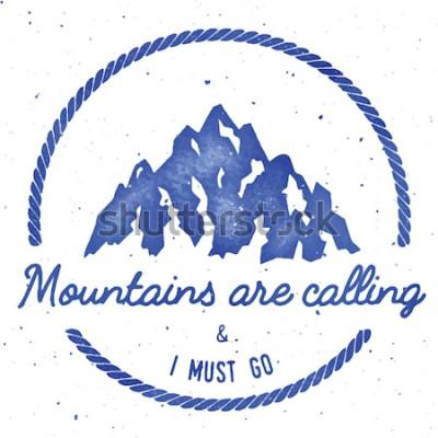 Póster Aventura en la montaña y colección de insignias de expedición. Logo de expedición al aire libre. Camiseta estampada de escalada estampada. Eminente ilustración vectorial de acuarela.