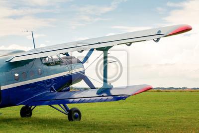 Avión biplano monomotor de época