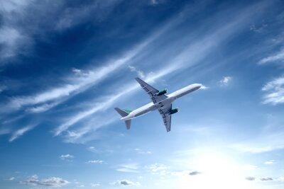 Avión con el cielo hermoso en fondo