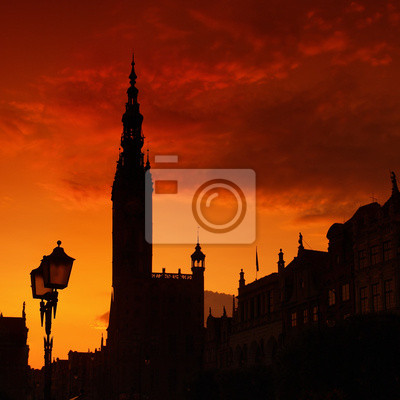 Ayuntamiento de contorneado en Gdansk, Polonia.